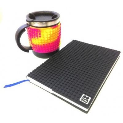 Kreativní SET pixelový diář s obalem černý + pixelový termohrnek mýultibarevn