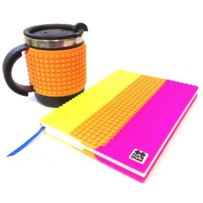 Kreativní SET pixelový diář s obalem multibarevný + pixelový termohrnek neon oranžový
