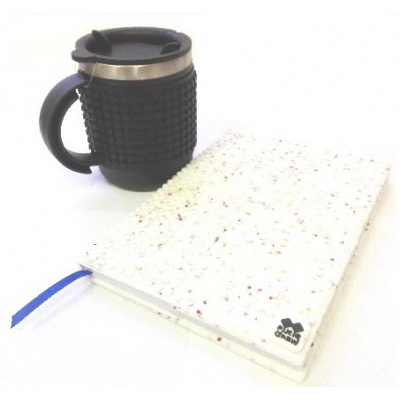 Kreatívny SET pixelový diár s obalom biele hviezdy  + pixelový termohrnček čierny
