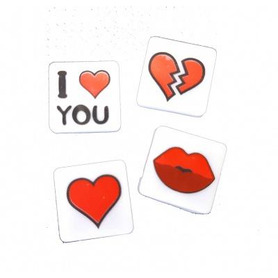 Kreativní pixelový náramek červený - love