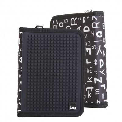 Kreatívny pixelový školský peračník čierna abeceda PXA-04